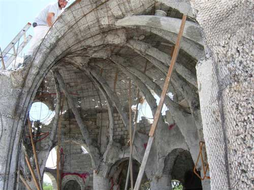 Flying Concrete Thin Shell Construction