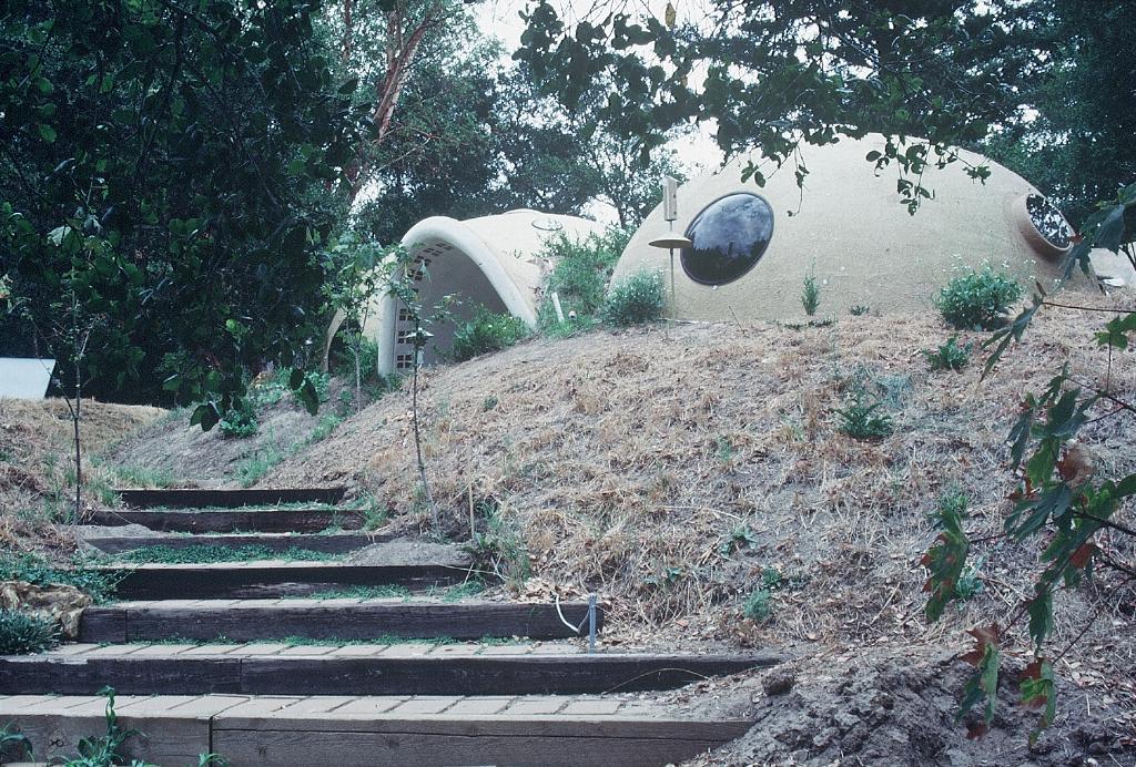 Lloyd Turner Airform Stucco Construction