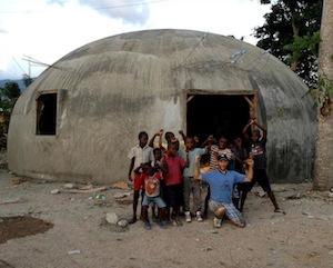 cúpula monolítico Haiti Hildebrand pequeno